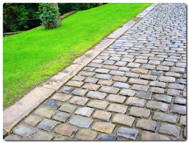 Work Examples Driveway Using Gritstone Cobbles Amp Kerbs