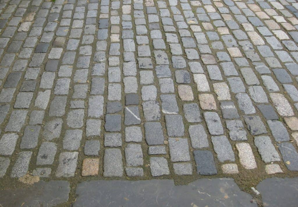 Granite Cobbles & Kerbs