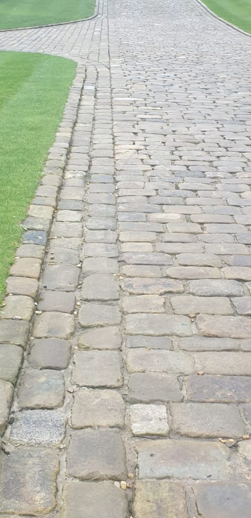 gritstone cobbles